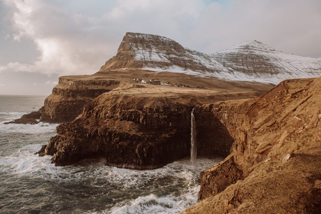 An incredible landscape picture of a coast shoreline.